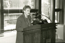 Black and white photo of Annette Green speaking at FIT luncheon.