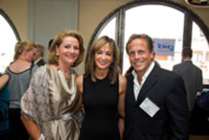 ICMAD president Pam Busiek, Laura Mercier founder and former CEO Janet Gurwitch, and and ICMAD chairman Ian Ginsberg