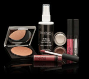 Cosmetic products from the Motives by Loren Ridinger brand